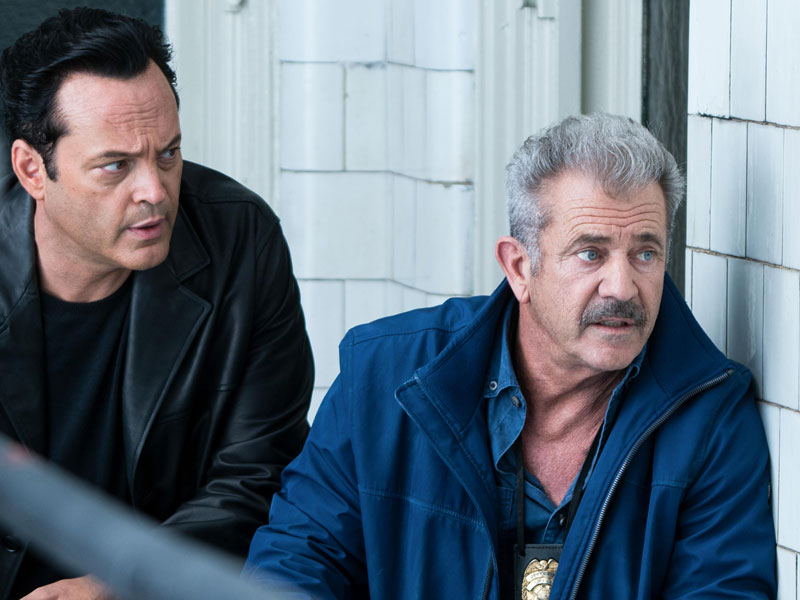 Dragged Across Concrete thumbnail